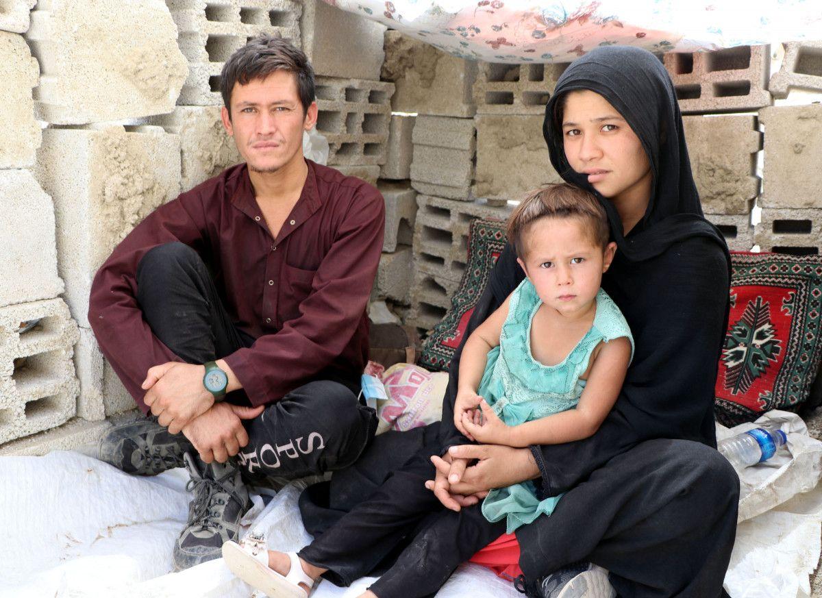 Eşi ve bebeğiyle Afganistan dan Van a gelen adam, ölüm korkusu yaşıyor #3