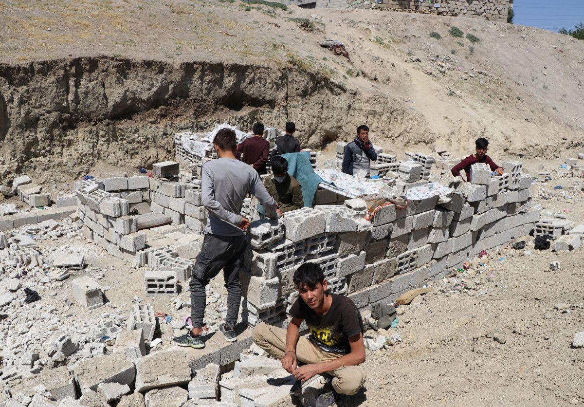 Eşi ve bebeğiyle Afganistan dan Van a gelen adam, ölüm korkusu yaşıyor #10