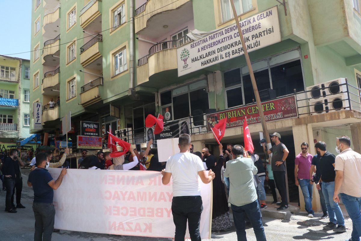 Hakkari de HDP yi protesto eden baba, kızının polis olmak istediğini söyledi #2