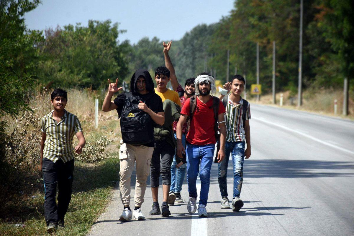Edirne, Yunan sınırının açıldığı iddiasına inanan Afgan göçmen akınına uğradı #4