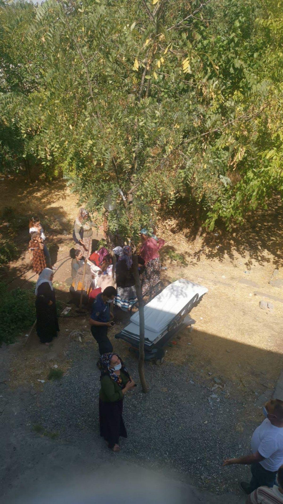 Diyarbakır da akıma kapılan hastayı, yakınları hastane bahçesine gömmek istedi #10