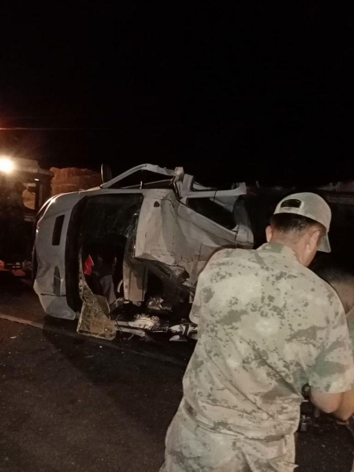 Iğdır'da kaza: 1 ölü, 1 yaralı #4