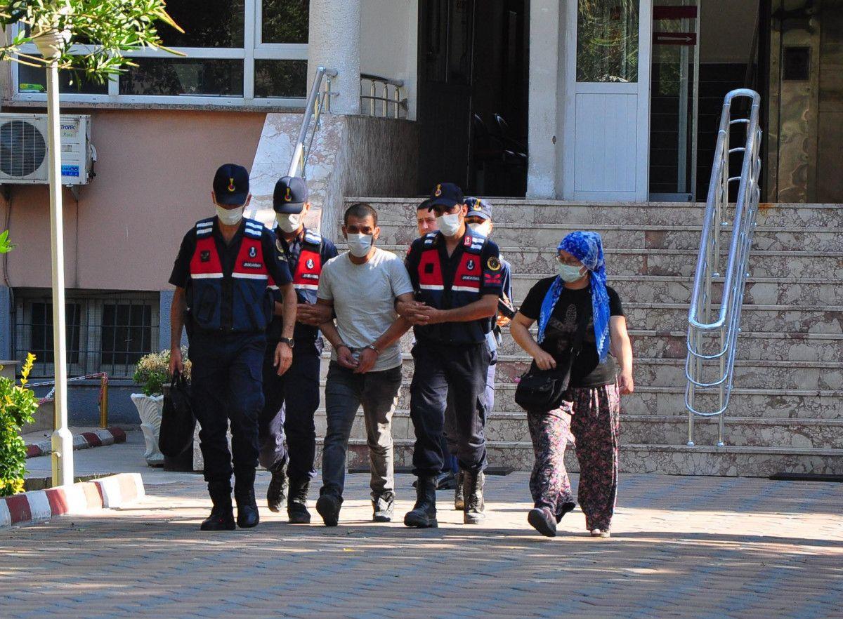Manisa da kanepenin altındaki çukurda yakalanan şüpheli tutuklandı #2