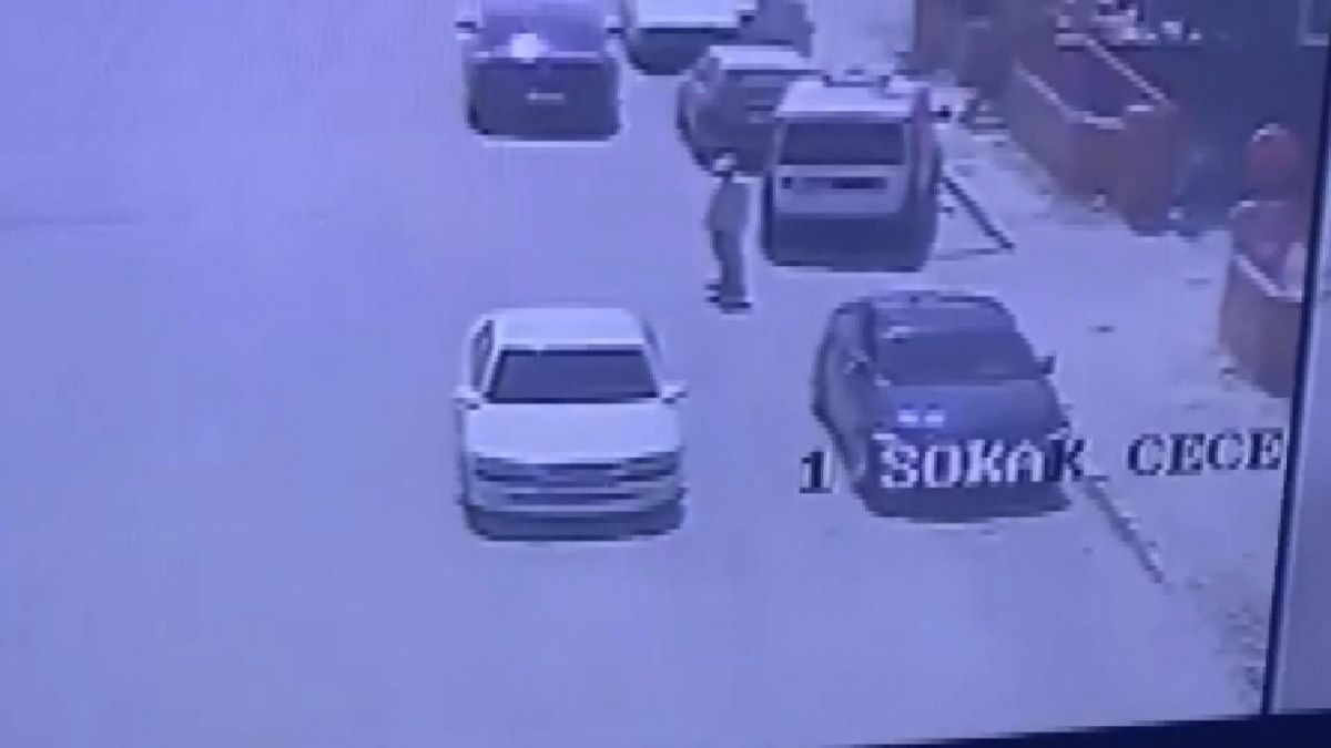 Konya da araç takibi yapan hırsızlar, camı kırıp 200 bin lirayı çaldı #2