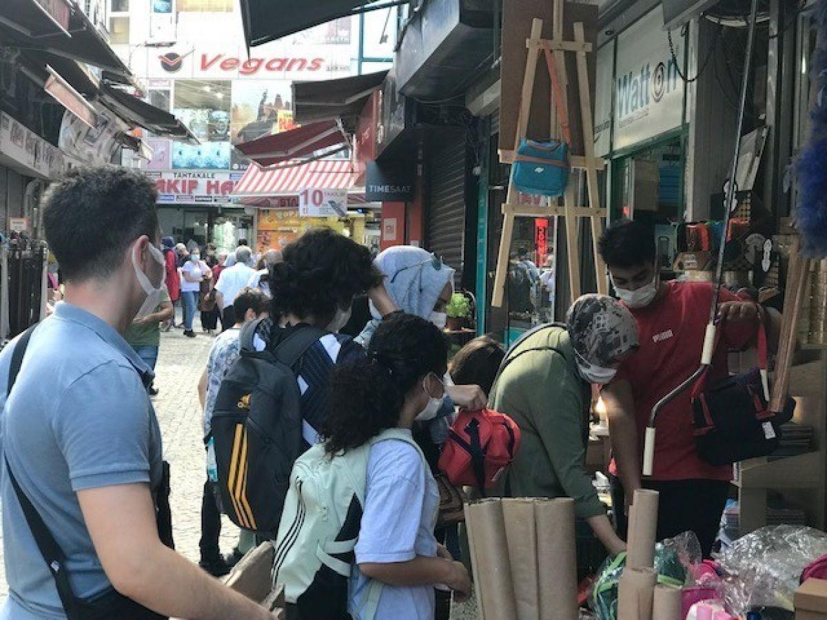 Eminönü'nde okul alışverişi yoğunluğu #5