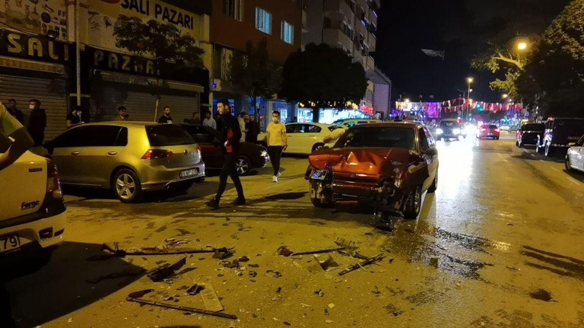 Bursa da polisten kaçan alkollü sürücü kaza yaptı: 2 yaralı #8