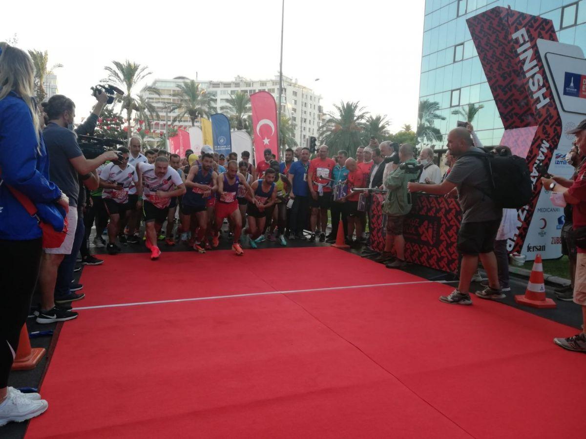 İzmir de 9 Eylül Yarı Maratonu koşuldu #1