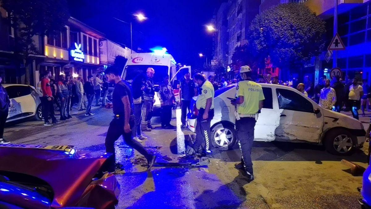 Bursa da polisten kaçan alkollü sürücü kaza yaptı: 2 yaralı #3