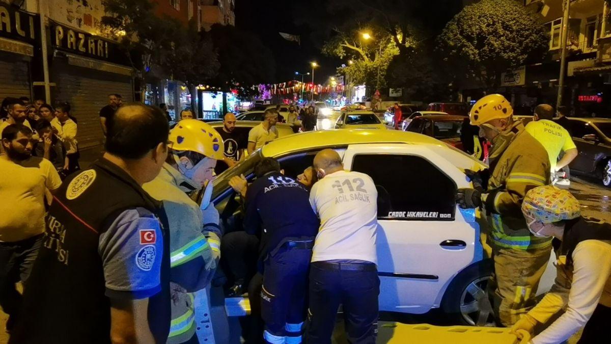 Bursa da polisten kaçan alkollü sürücü kaza yaptı: 2 yaralı #6