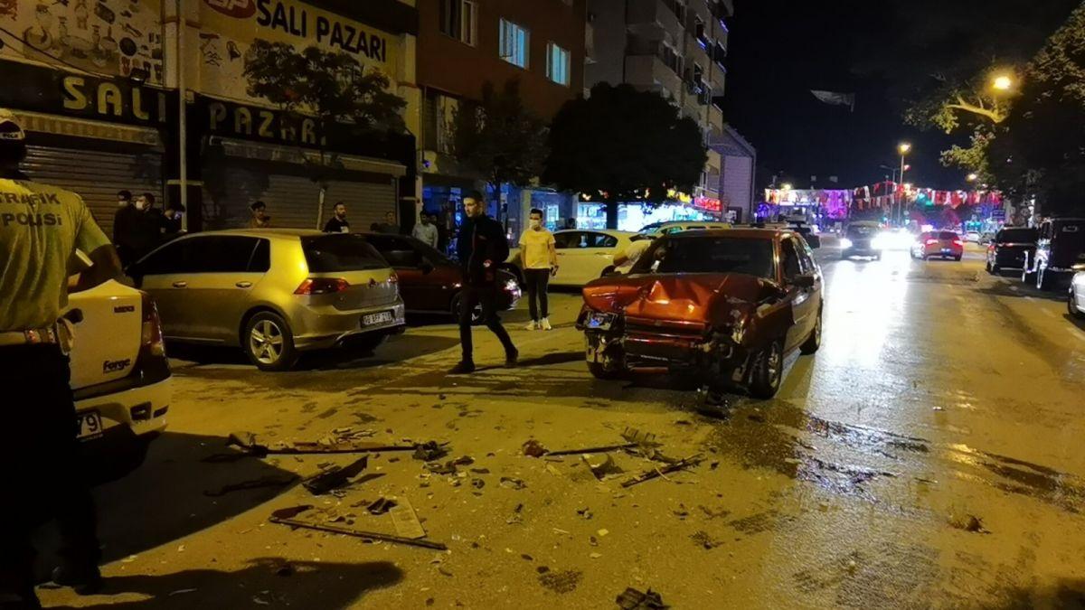 Bursa da polisten kaçan alkollü sürücü kaza yaptı: 2 yaralı #9