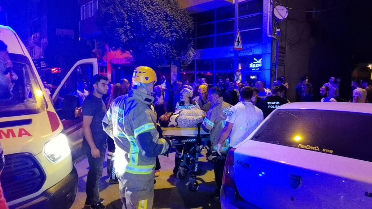 Bursa da polisten kaçan alkollü sürücü kaza yaptı: 2 yaralı #4