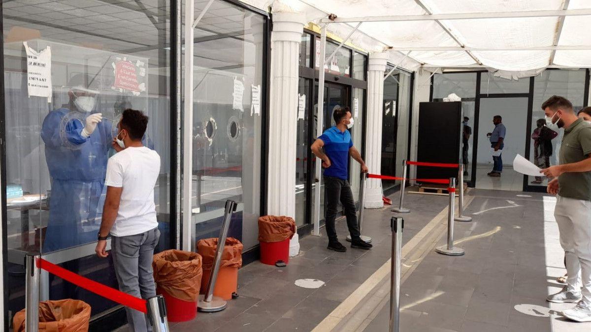PCR testi zorunlu olunca, Diyarbakır da aşısızlar hastanelere akın etti #4