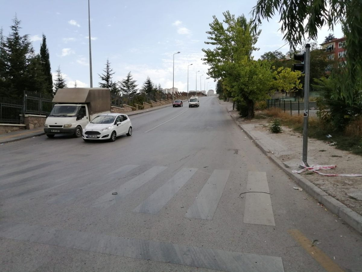 Ankara da freni boşalan kamyon 5 aracı biçti #1