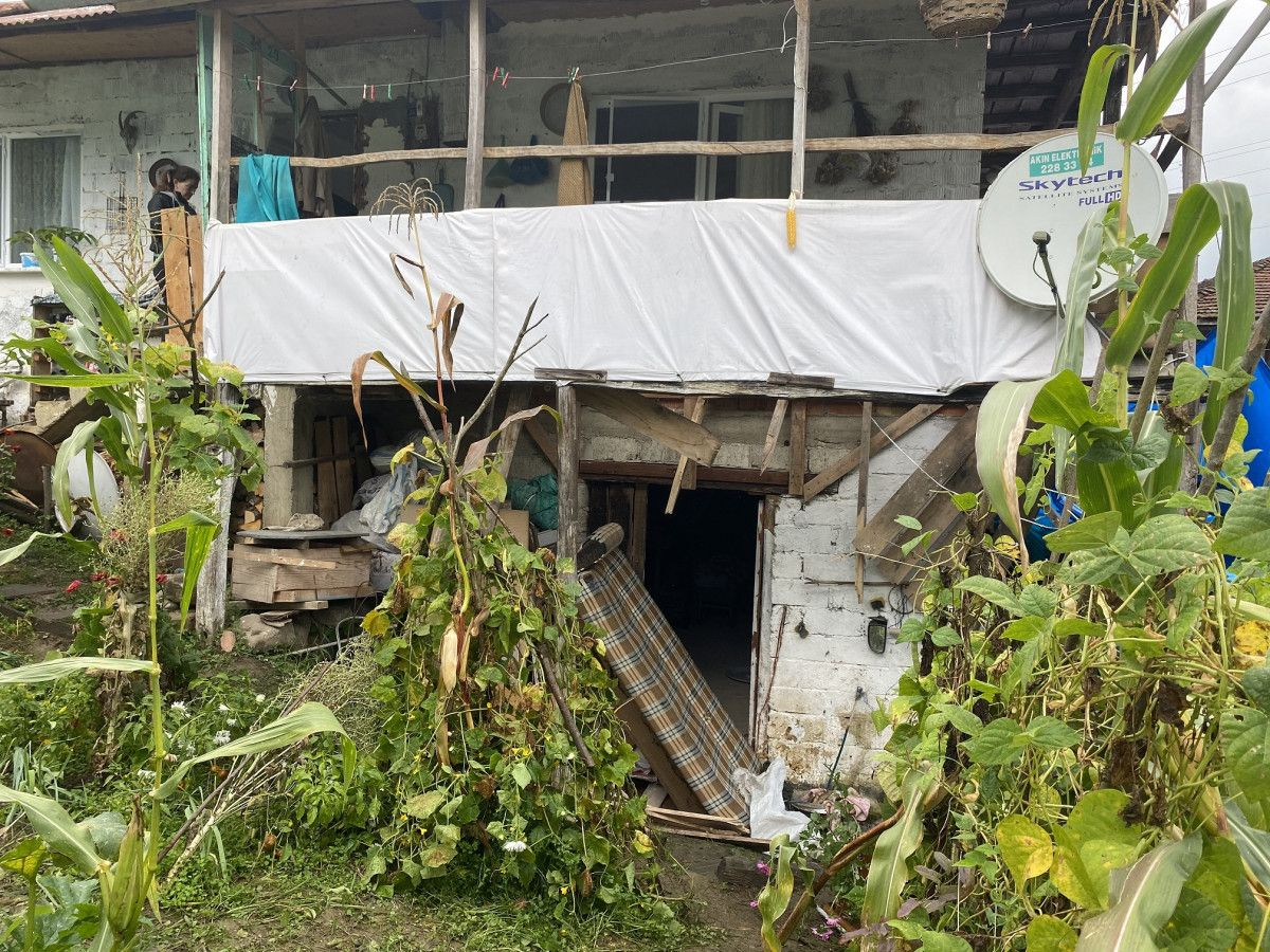 Bartın da taziye evinde balkon çöktü: 13 yaralı #3