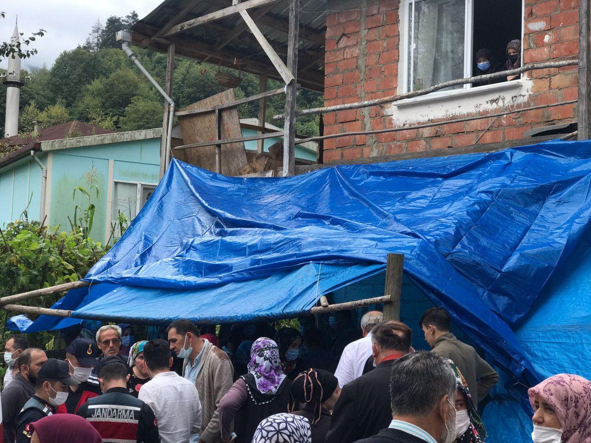 Bartın da taziye evinde balkon çöktü: 13 yaralı #8