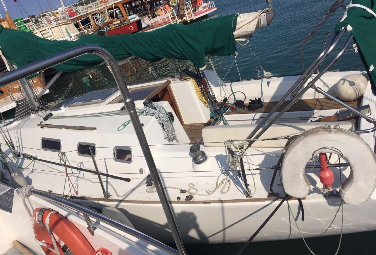 Ayvalık'ta FETÖ'cü 3 teğmen denizde yakalandı #2