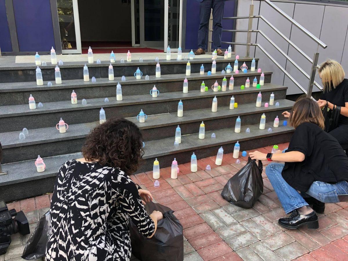 Kosova da muhalefetten biberonlu koronavirüs protestosu #2