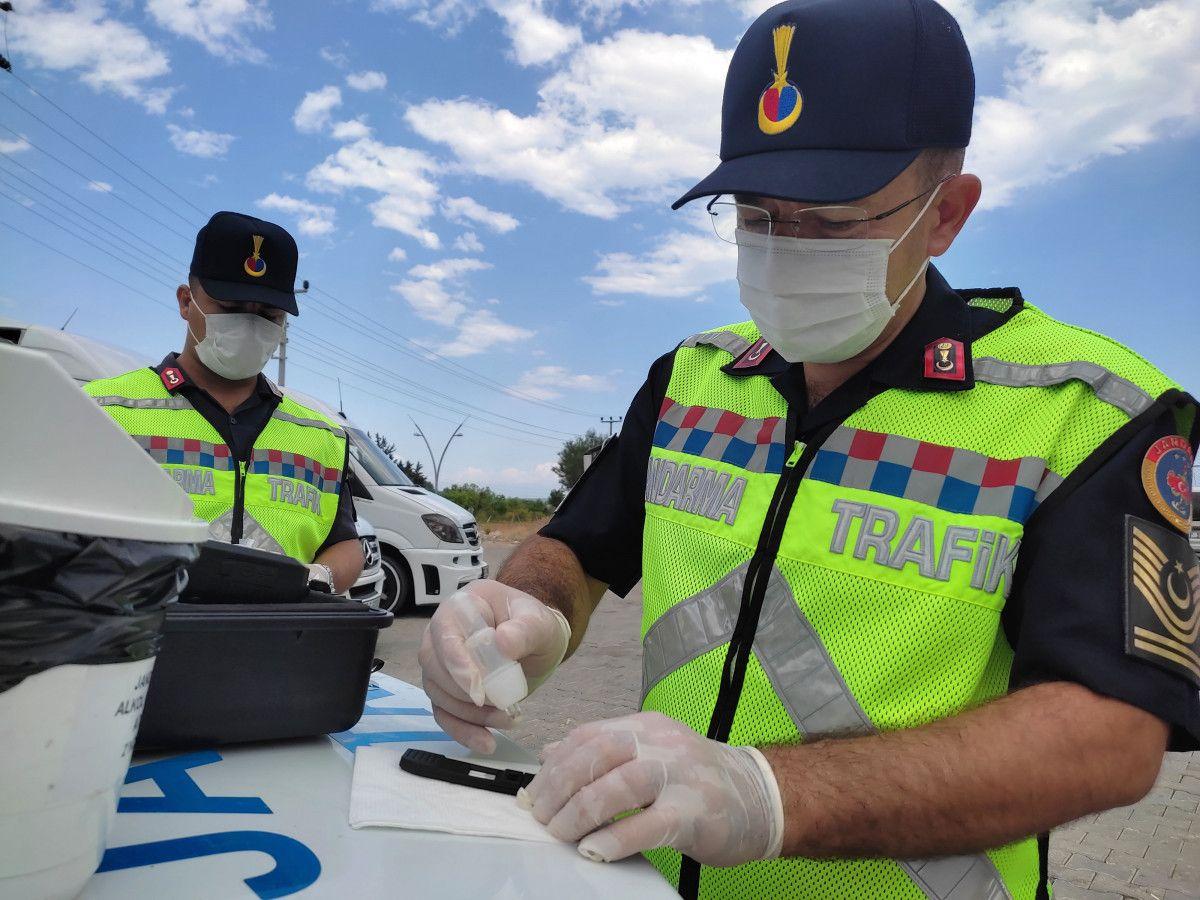 Antalya da ilki yapılan uygulamayla servis şoförünün uyuşturucu kullandığı belirlendi #1