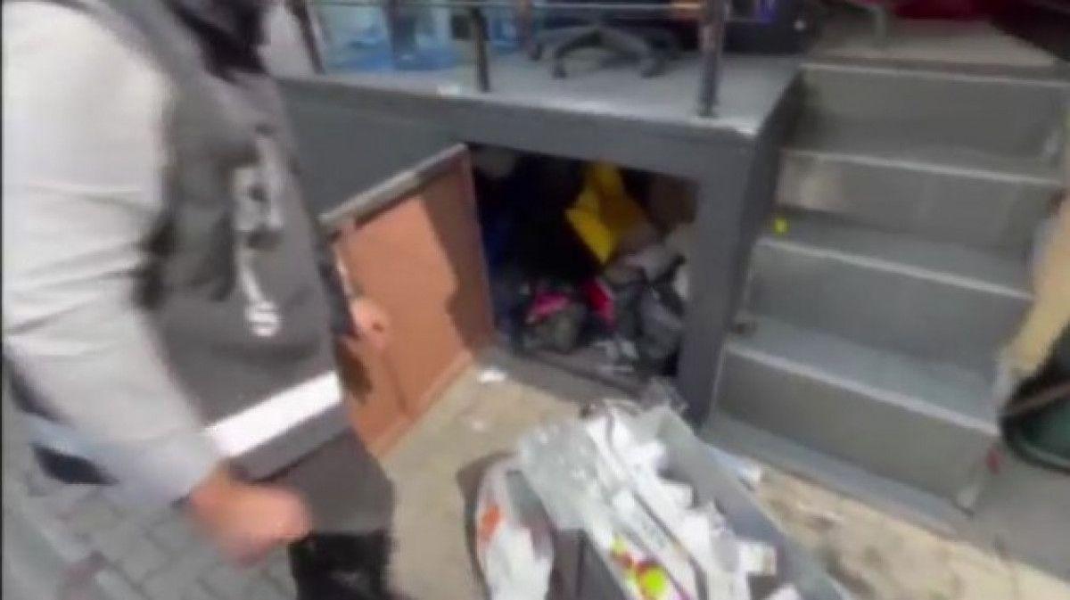 Fatih teki kaçak tütün operasyonunda 80 bin liralık ürün bulundu #5