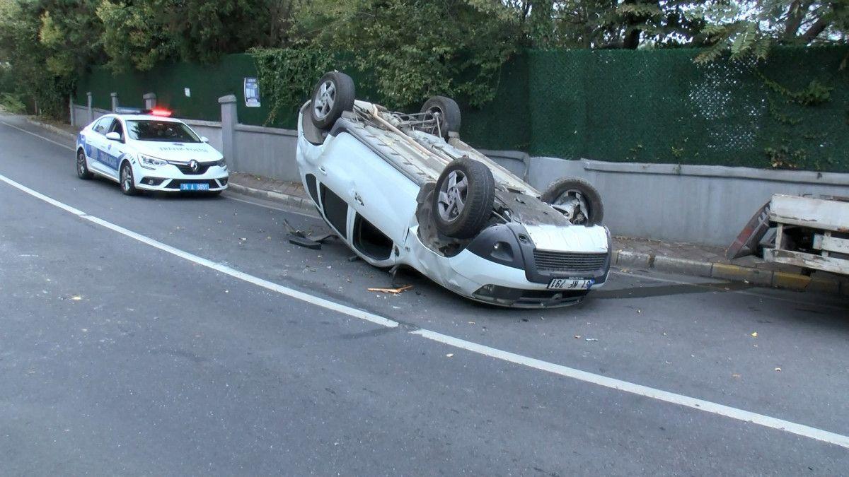 Sarıyer de sürücü, aracını kaldırıma çarparak takla attı #9