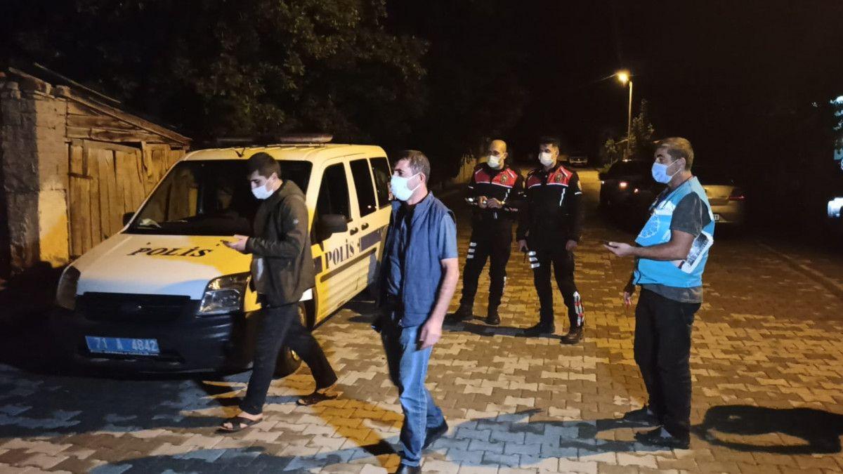Kırıkkale de Kovid-19 hastası markete giderken yakalandı #2