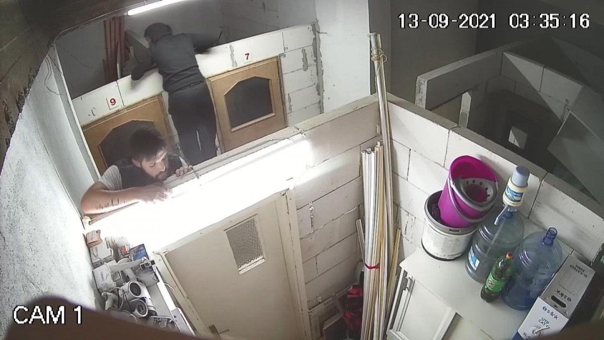 Bursa da hırsızlar güvenlik kamerasını da çaldı #7