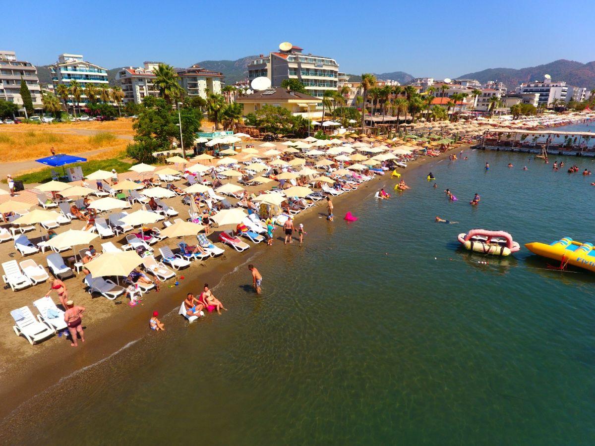 Marmarisli turizmciler, İngiliz turistleri dört gözle bekliyor #1