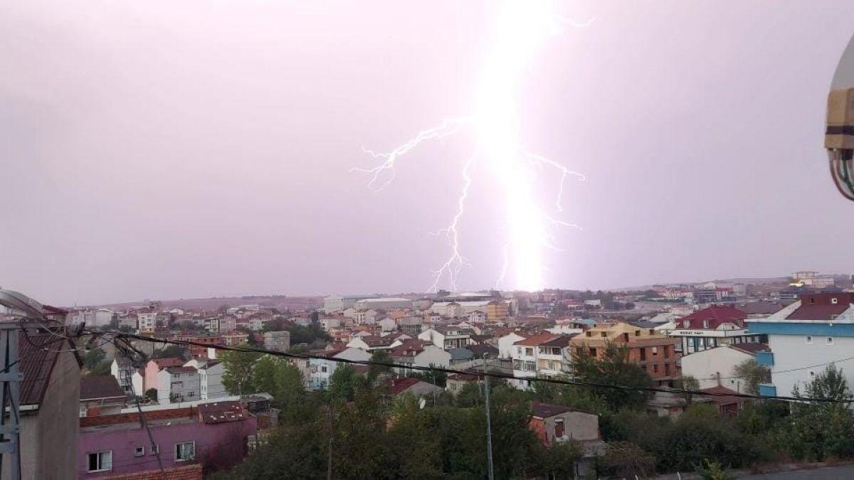 İstanbul da beklenen yağış başladı #1