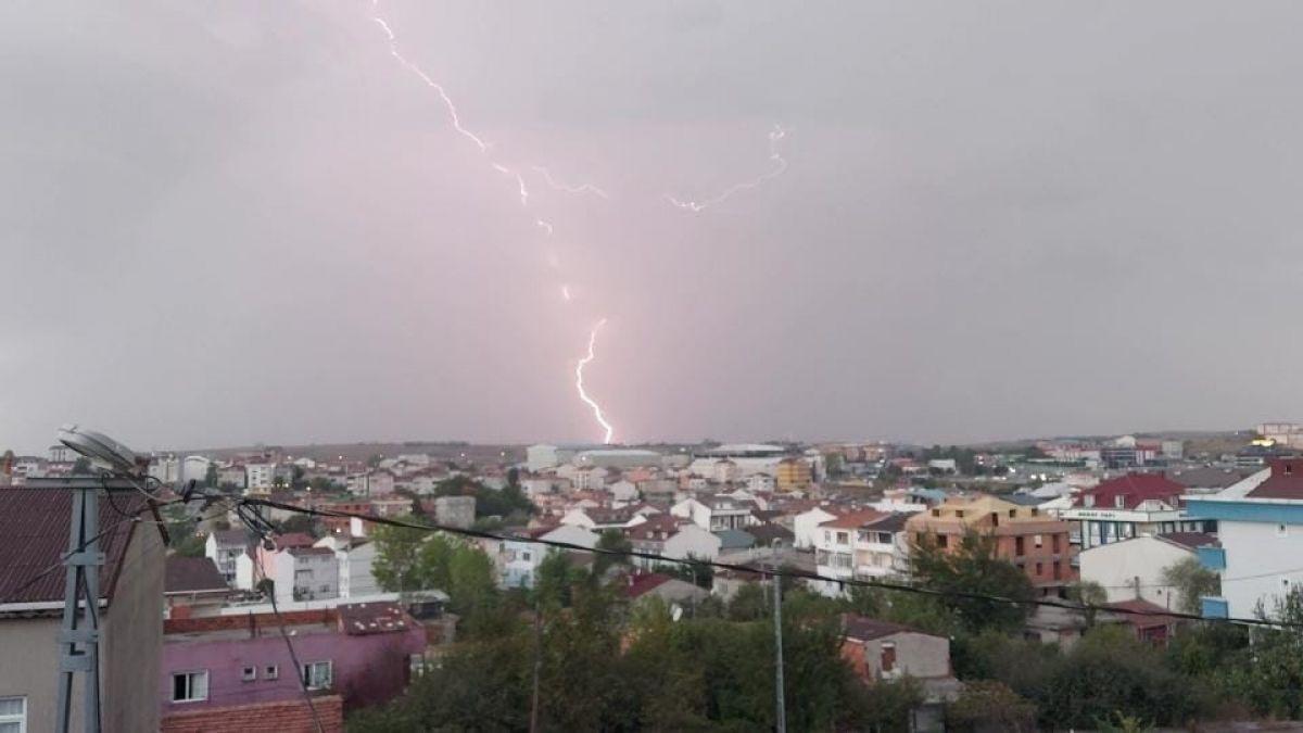 İstanbul da beklenen yağış başladı #2