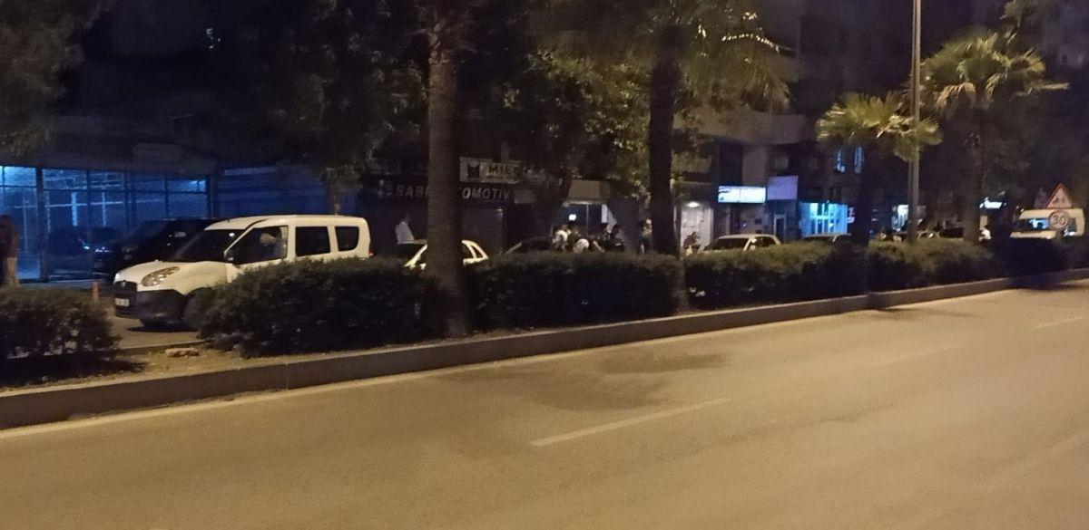 Hatay'da araçtan polise ateş açtılar: 4 yaralı #1