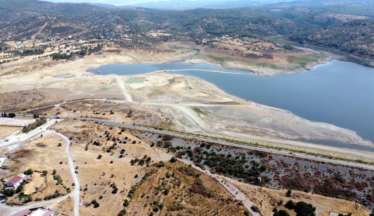 Mumcular Barajı, dolulukta yüzde 10 un altına geriledi #1