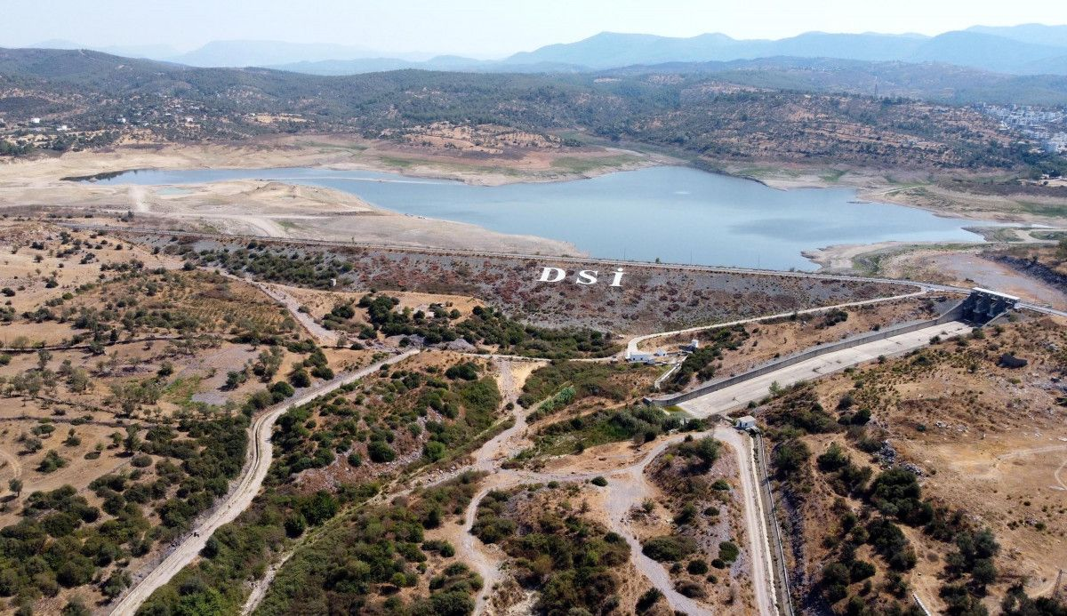 Mumcular Barajı, dolulukta yüzde 10 un altına geriledi #2
