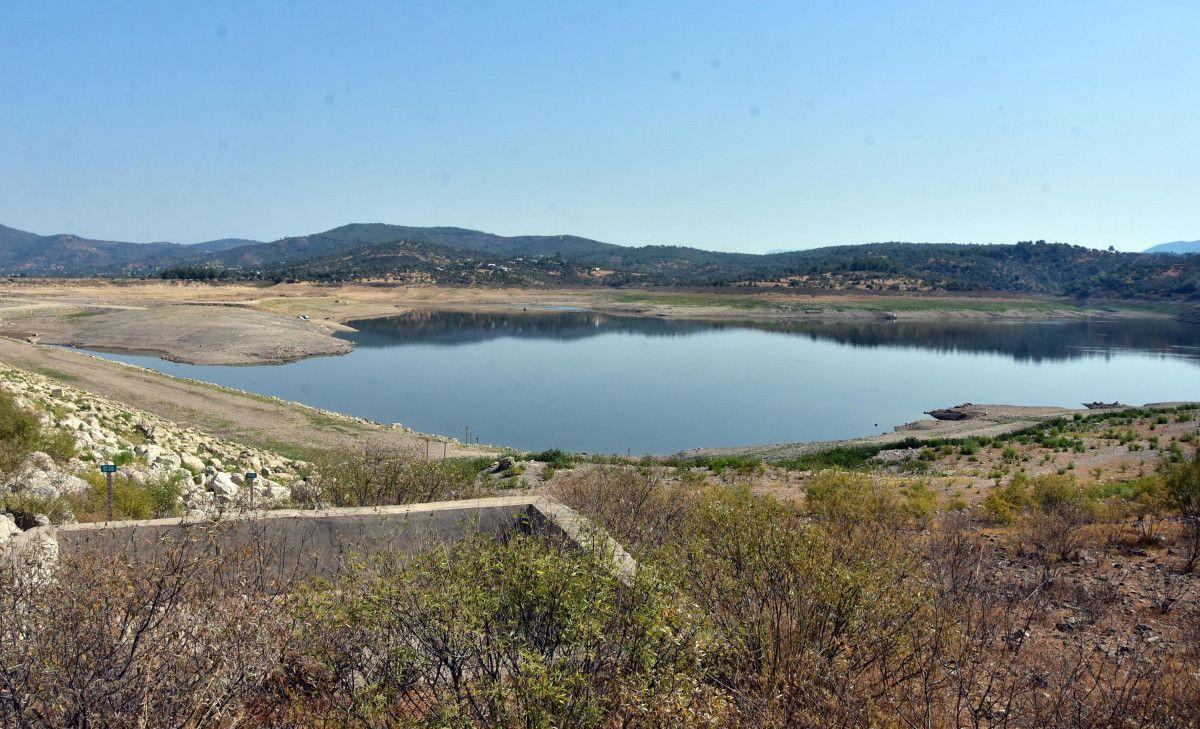 Mumcular Barajı, dolulukta yüzde 10 un altına geriledi #6
