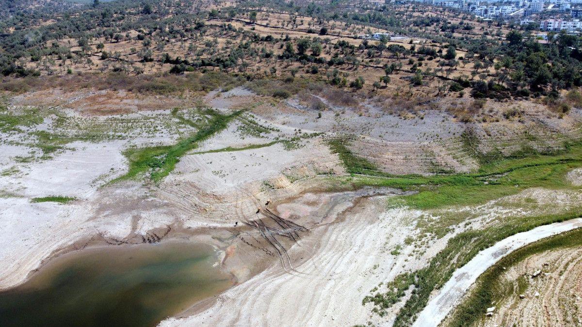 Mumcular Barajı, dolulukta yüzde 10 un altına geriledi #3