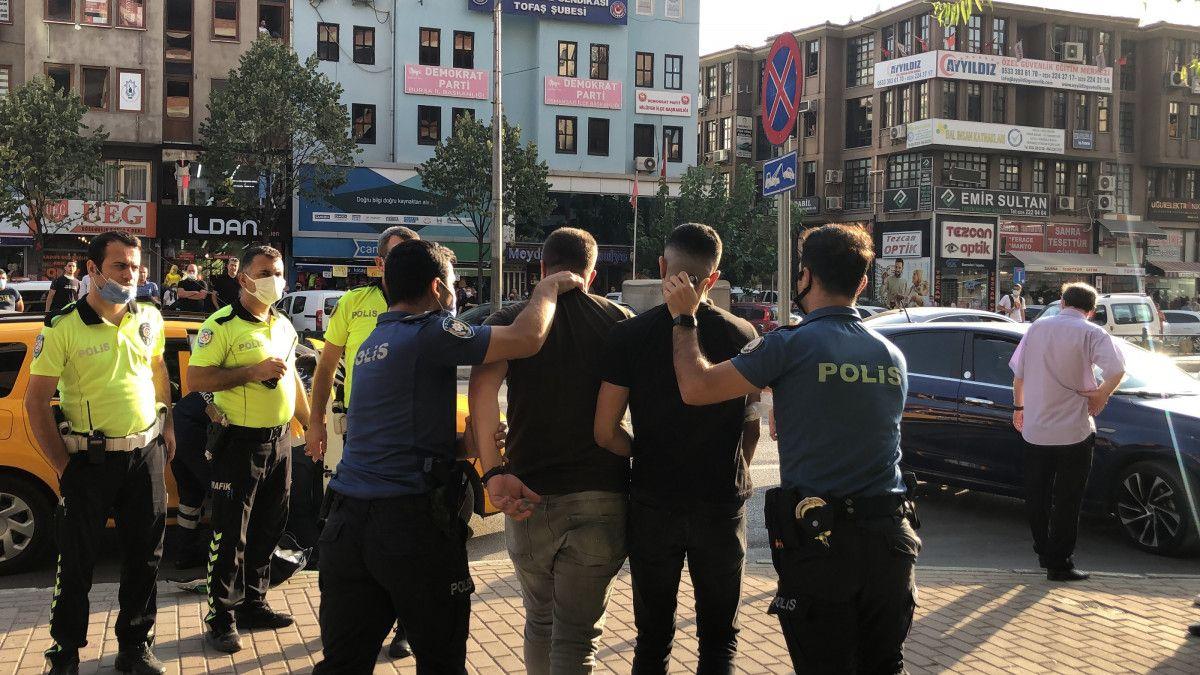 Bursa da taksi şoförü, aracına almadığı müşteriler tarafından bıçaklandı #8