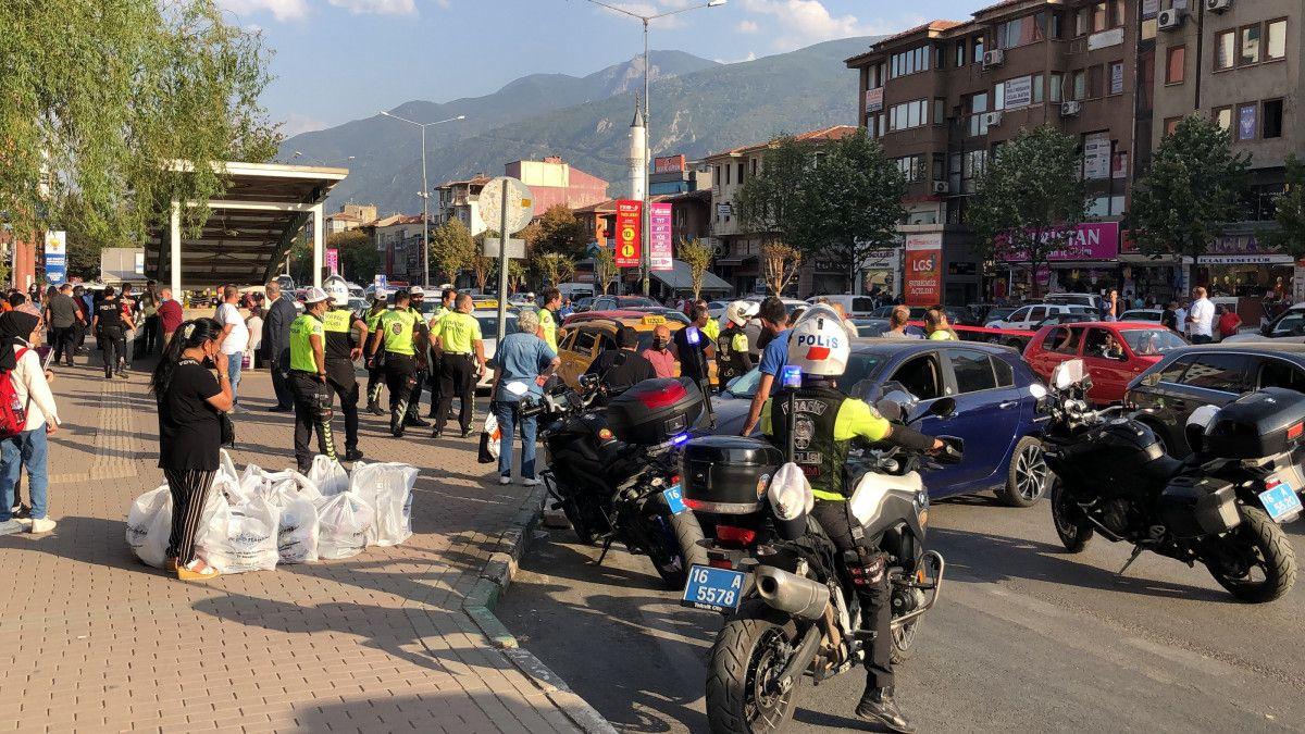 Bursa da taksi şoförü, aracına almadığı müşteriler tarafından bıçaklandı #2