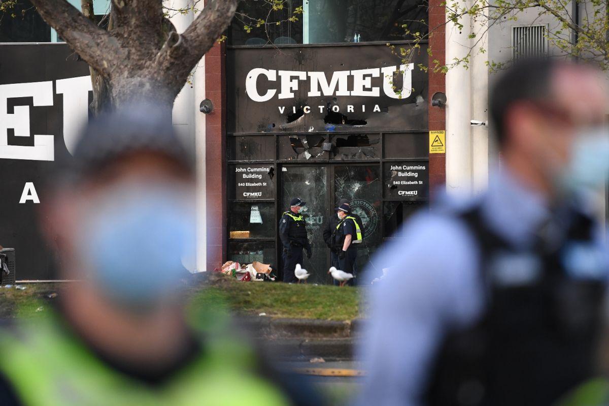 Avustralya'da inşaat işçilerinden aşı karşıtı protesto: Şantiyeler kapatıldı #7