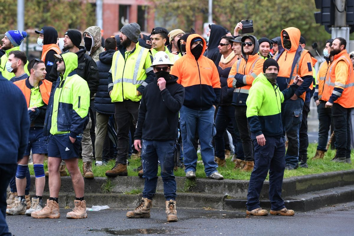 Avustralya'da inşaat işçilerinden aşı karşıtı protesto: Şantiyeler kapatıldı #6