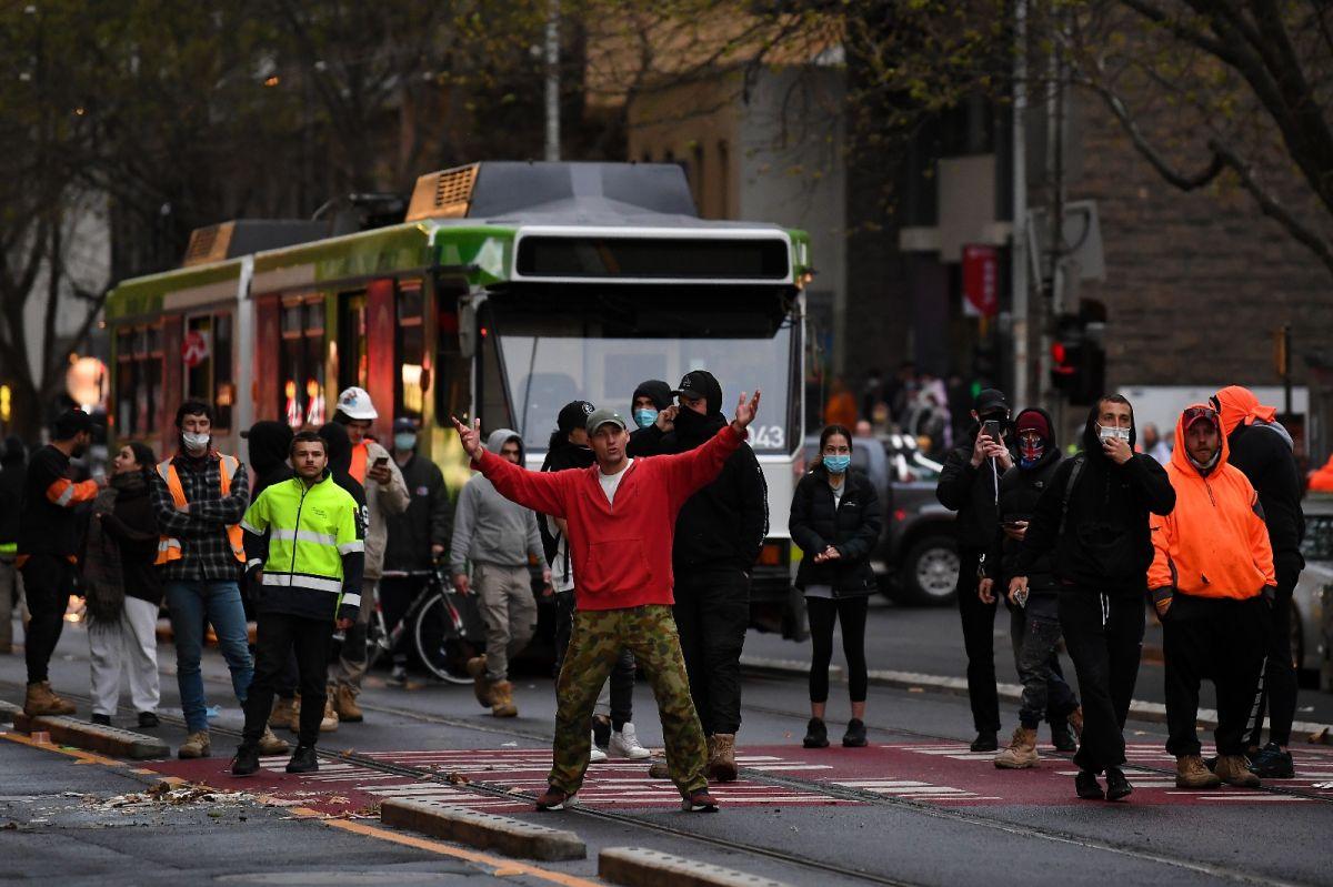 Avustralya'da inşaat işçilerinden aşı karşıtı protesto: Şantiyeler kapatıldı #10