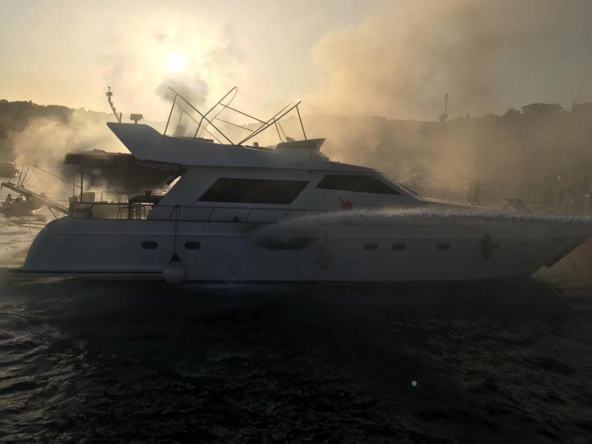 İstanbul Bebek te tekne yangını #3