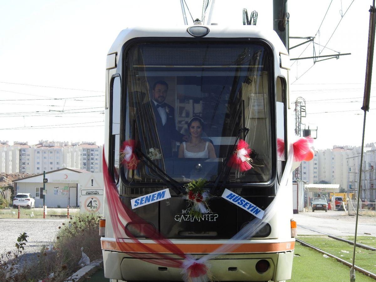 Gaziantep te tramvay, gelin aracı oldu #6