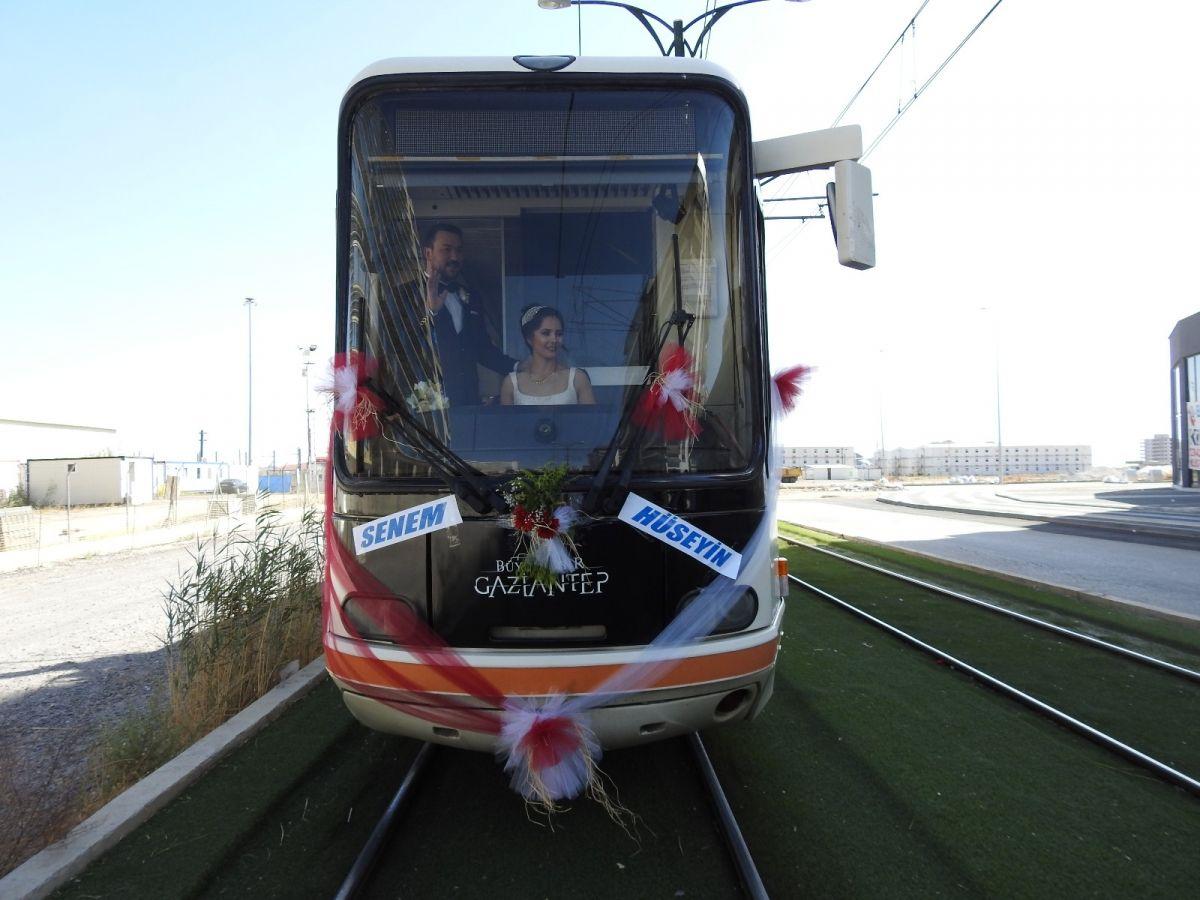 Gaziantep te tramvay, gelin aracı oldu #7