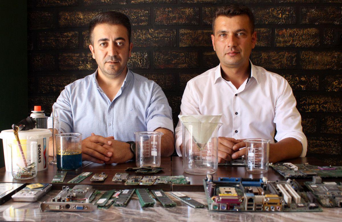 Antalya da iki arkadaş elektronik atıklardaki altınları ayrıştırıyor #2