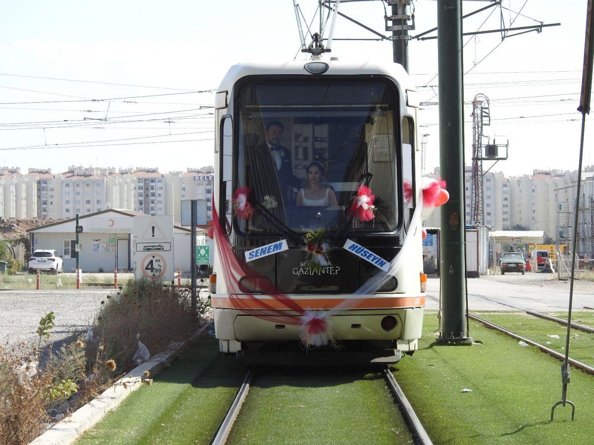 Gaziantep te tramvay, gelin aracı oldu #5