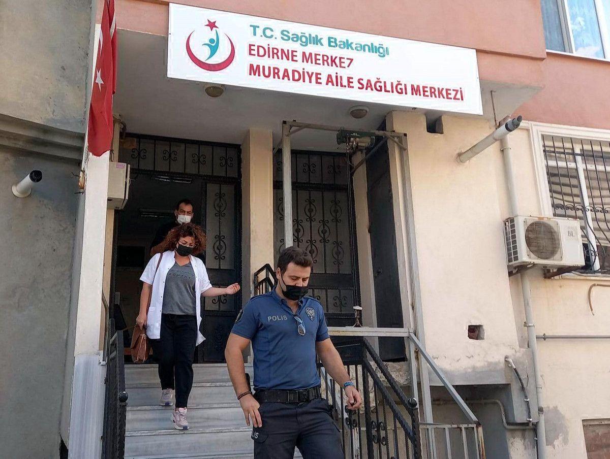 Edirne de karantinayı ihlal eden adam doktorla tartıştı #2