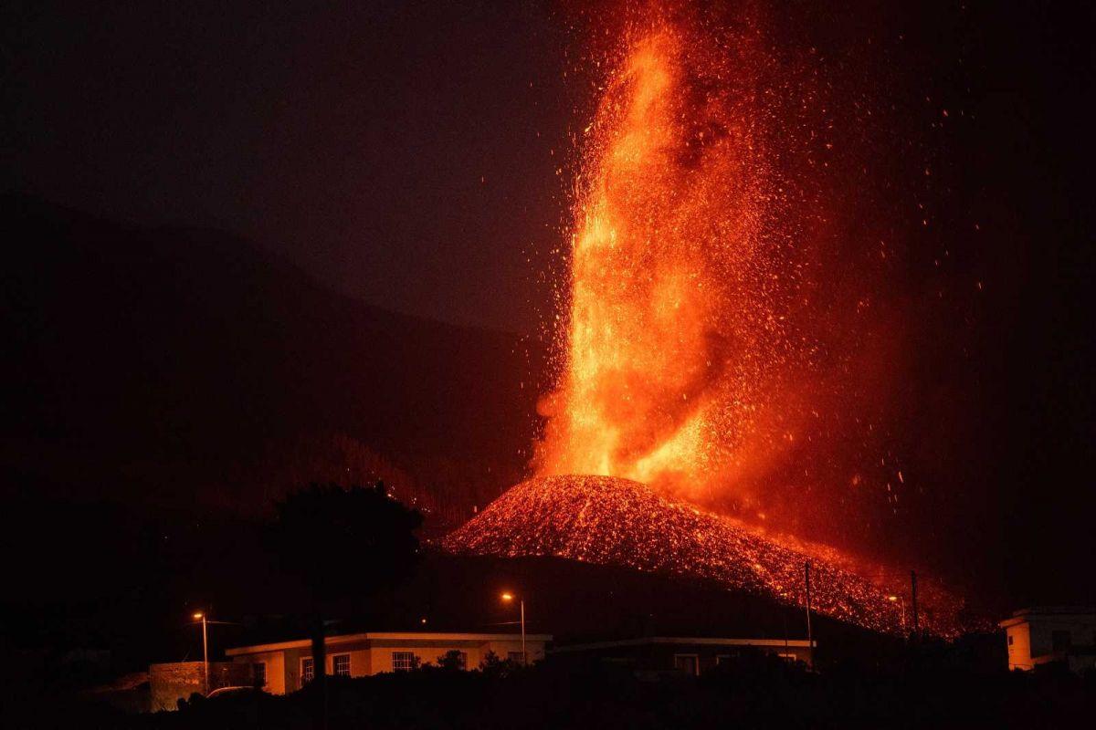 Kanarya Adaları'ndaki yanardağ felaketinde 400 ev kül oldu #3
