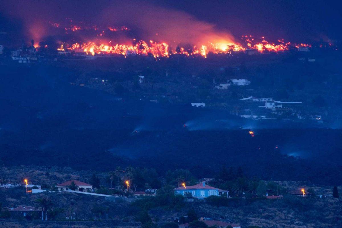 Kanarya Adaları'ndaki yanardağ felaketinde 400 ev kül oldu #1