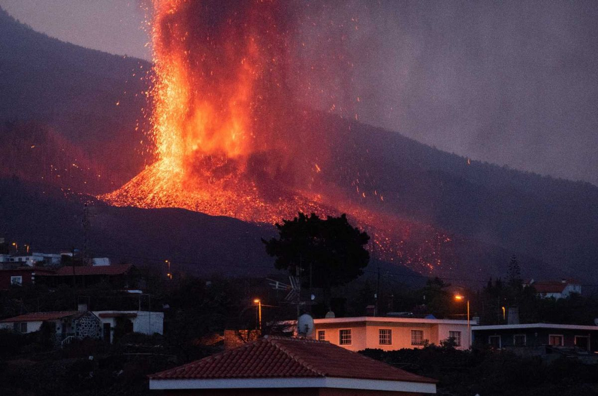 Kanarya Adaları'ndaki yanardağ felaketinde 400 ev kül oldu #4
