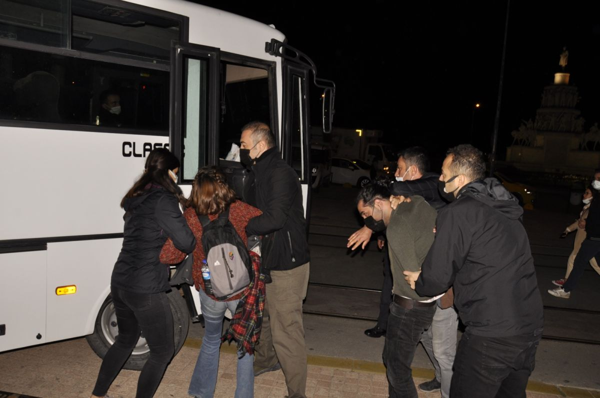 Eskişehir de yurt provokasyonu: Gözaltına alınanlar devlete hakaret etti #5