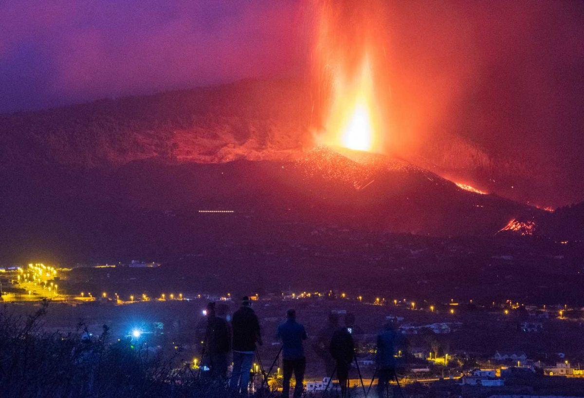 Kanarya Adaları'ndaki yanardağ felaketinde 400 ev kül oldu #5